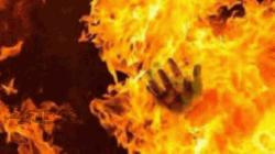 বিদ্যুতের তার ছিঁড়ে আগুন, এক পরিবারের চারজনের মৃত্যু