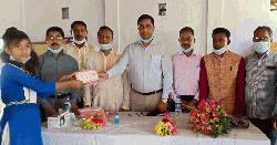 গৌরীপুর ১০৫৬ ছাত্র-ছাত্রীর মাঝে টিফিন বক্স বিতরণ
